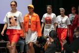 Cracow Fashion Awards 2020. Młodzi krakowscy projektanci mody pokazali dyplomowe kolekcje. Tak będziemy się ubierać? [ZDJĘCIA]