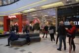 Galerie handlowe ponownie otwarte. Dużo klientów w Galerii Amber w Kaliszu ZDJĘCIA