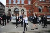 W Liceum im. Mickiewicza w Katowicach zawalił się kawałek sufitu w jednej z klas. Uczniowie są bezpieczni. Będzie wykonywana ekspertyza