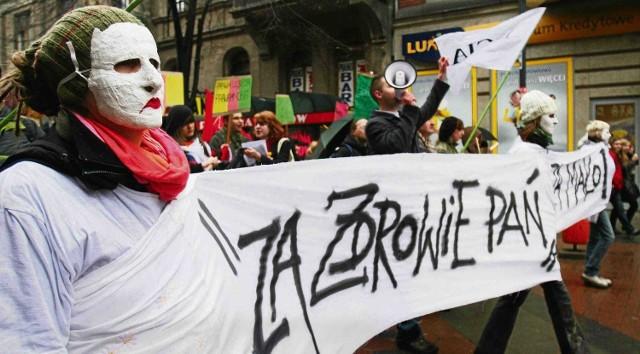 Kobiety polskie domagają się równych praw. Walczą o to na różne sposoby