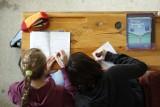 Przeszukanie studentów przed egzaminem. Doktor: Chętnie bym ich porozbierał do naga