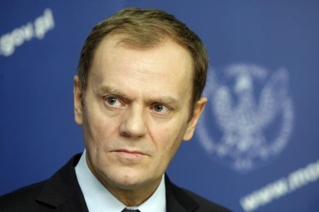 """W powielaniu tej kliszy ma swój spory udział sam Donald Tusk. To on pozycjonował się od początku rządów w roli spokojnego administratora. Pozytywisty, nie romantyka. Sprytnie. Ale rzeczywistość temu przeczy. Wizji - i to całkiem romantycznych - jest już bez liku. Pierwszy był raport o kapitale intelektualnym Polski Michała Boniego. Potem jego słynna """"Polska 2030"""". Jeszcze później firmowany przez tego samego ministra raport """"Młodzi 2011"""". Były strategie dotyczące infrastruktury i energetyki. I - a jakże - Strategia Rozwoju Kapitału Ludzkiego. W tym roku powstał w Ministerstwie Finansów Wieloletni Plan Finansowy Państwa na lata 2012-2015. A już całkiem niedawno rząd przyjął jeszcze Strategię Rozwoju Kraju 2020."""