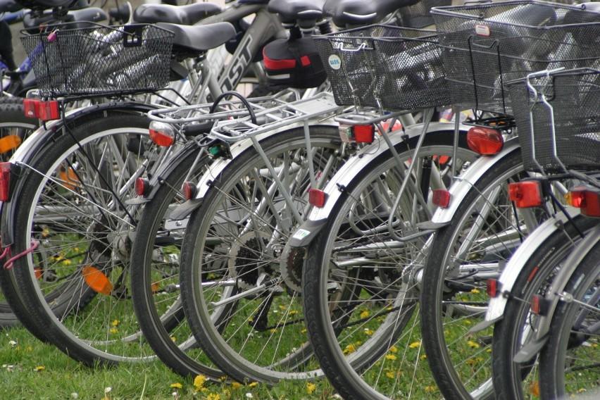 Czechów: 14-latek kradł radia samochodowe i rowery