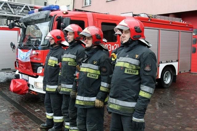 Strażacy z Łodzi biorą udział w proteście w Poznaniu.