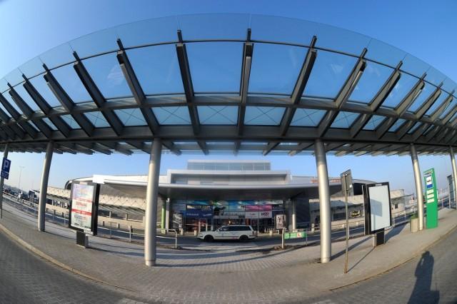 Poznański Port Lotniczy Ławica przestał straszyć czerwonym kolorem na master planie inwestycji przed Euro 2012