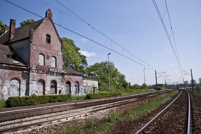 Zabytkowy dworzec w Goczałkowicach Zdroju. Wizytówka uzdrowiska. Gmina prowadzi rozmowy z PKP w sprawie przejęcia.