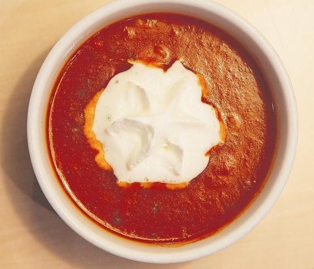 Są zupy, które gotuje się kilka dni, ale też i takie, które powstają w  kwadrans