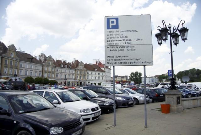 Plac Zamkowy: Fałszywy parkingowy pobierał opłaty