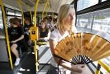 Będą ryglować okna w autobusach i tramwajach, by było chłodniej