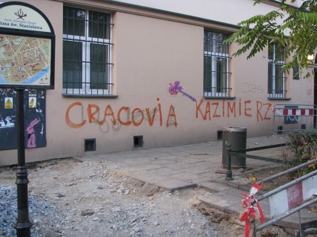 Kraków od dawna ma problem z pseudograffiti (zdjęcie ilustracyjne)