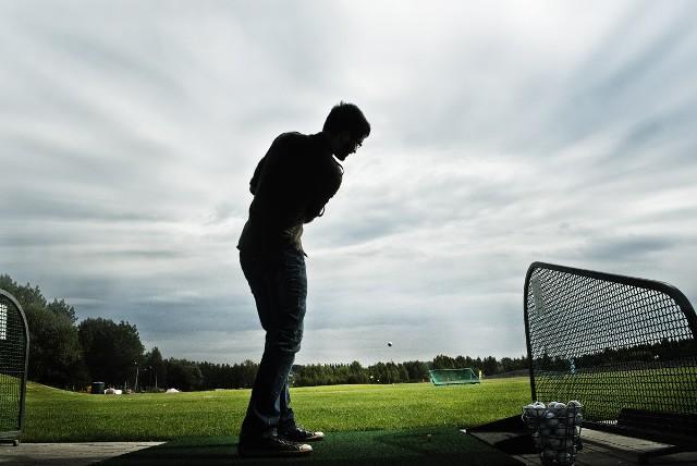 """Zdjęcie przedstawia pole golfowe. Jest ono częścią projektu zagospodarowania terenów pokopalnianych """"Srebrne Stawy"""" w Bytomiu. Inwestycja była współfinansowana przez Unię Europejską - napisała autorka zdjęcia, które wygrało w tym tygodniu w konkursie Euroinspiracje. Gratulujemy zdobycia nagrody!   Zachęcamy czytelników do zabawy w odnajdywanie śladów wykorzystania unijnej pomocy wokół nas. Nasz konkurs trwa jeszcze tylko dwa tygodnie. A nagroda za zdjęcie tygodnia to sprzęt fotograficzny o wartości około 300 zł. Nagrody główne to cztery lustrzanki cyfrowe o wartości około 3 tys. zł.  Regulamin i galerie zdjęć znajdują się na: www.polskatimes.pl/eurokalejdoskop, a prace konkursowe należy nadsyłać na adres: eurokalejdoskop@polskatimes.pl."""
