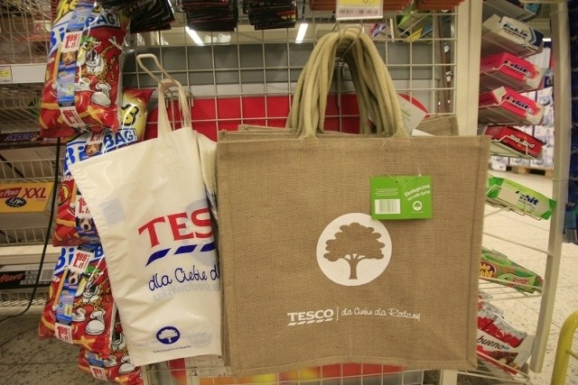 Tesco oferuje nie tylko ekologiczne torby, ale chce postawić także na ekologiczną żywność