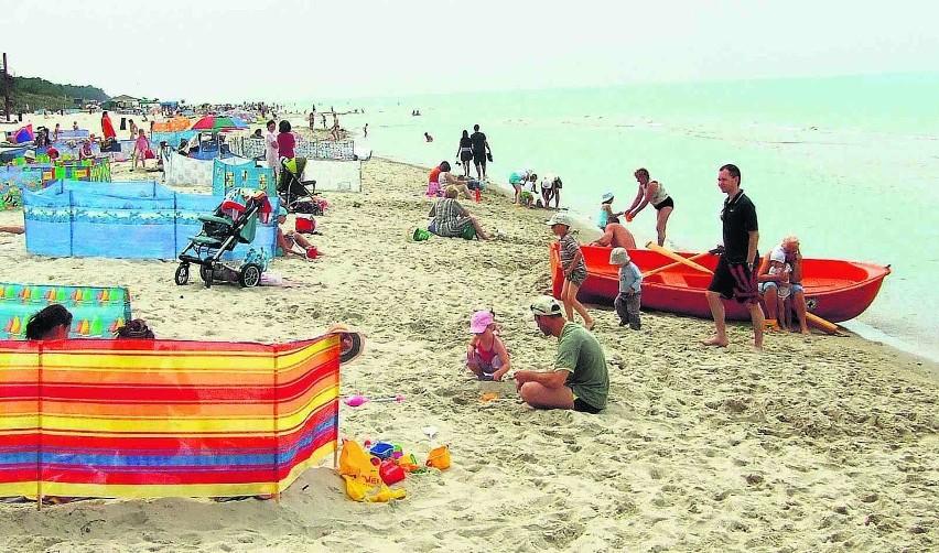 Nadbałtycka plaża w Karwi zawsze cieszy się powodzeniem,...
