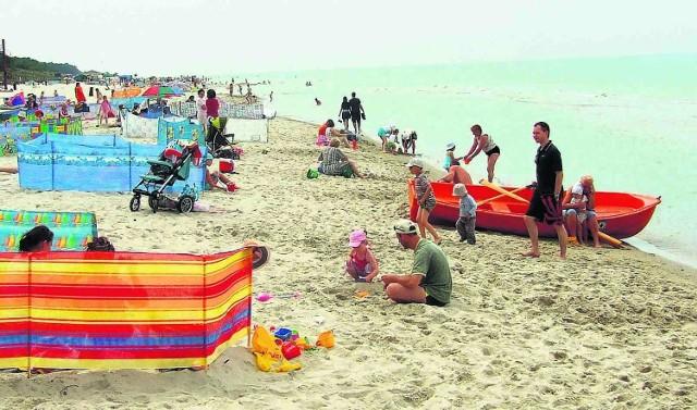 Nadbałtycka plaża w Karwi zawsze cieszy się powodzeniem, teraz nie grozi jej zamknięcie