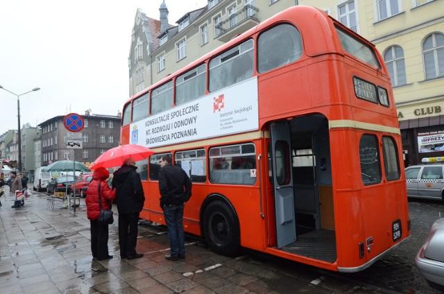 Konsultacje społeczne ws. śródmieścia odbywały się w Poznaniu w czerwonym autobusie