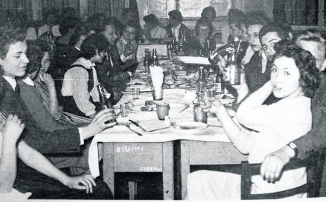 Studniówka w 1958 roku w III LO: wszystkie danie na zimno, kanapki przygotowały mamy