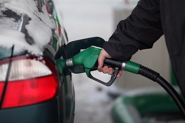 Przeciwko cenom paliw protestują kierowcy w Zduńskiej Woli, Radomsku i Łodzi.