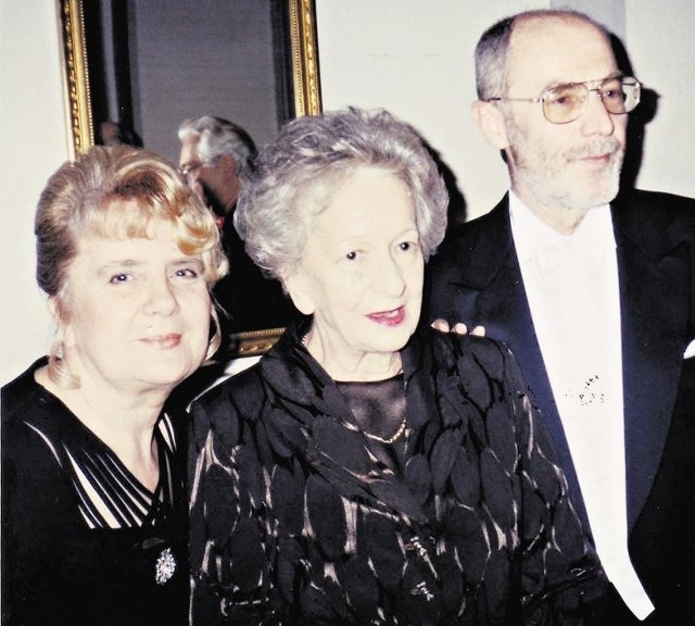 W Sztokholmie Wisławie Szymborskiej towarzyszyli między innymi Bogusława Latawiec (na zdjęciu z lewej) i Ryszard Krynicki, poeta, szef Wydawnictwa A5
