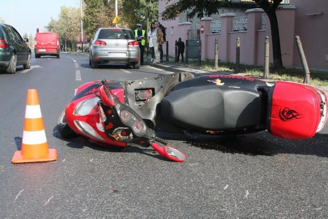 62-letni mężczyzna kierujący skuterem został ranny w wypadku na Kopcińskiego.