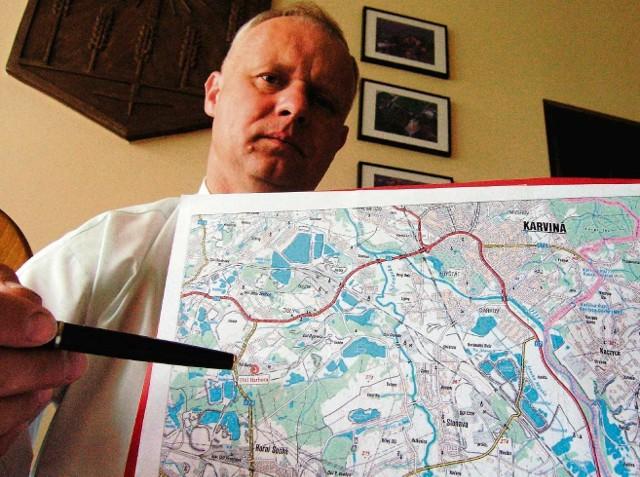 Andrzej Kondziołka, wójt Zebrzydowic, podkreśla, że planowana spalarnia znajdzie się zbyt  blisko gminy