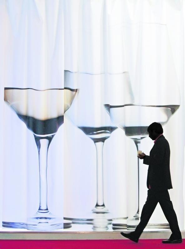 Polacy wypijają średnio 10 l czystego spirytusu rocznie