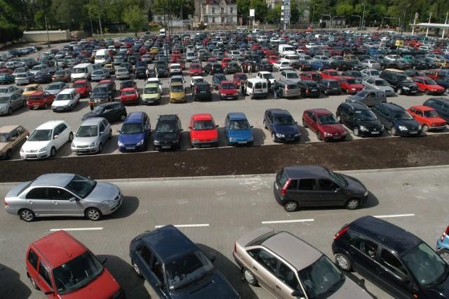 W Łodzi mężczyzna wymyślił nowy sposób naciągania właścicieli samochodów