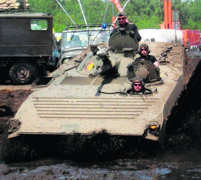 Zloty pojazdów wojskowych cieszą się zainteresowaniem
