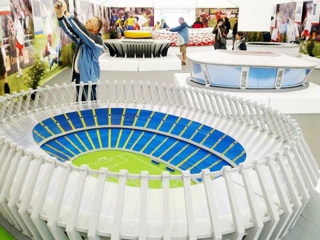 Osiem stadionów Euro 2012 zaprezentowanych zostanie w Łodzi.