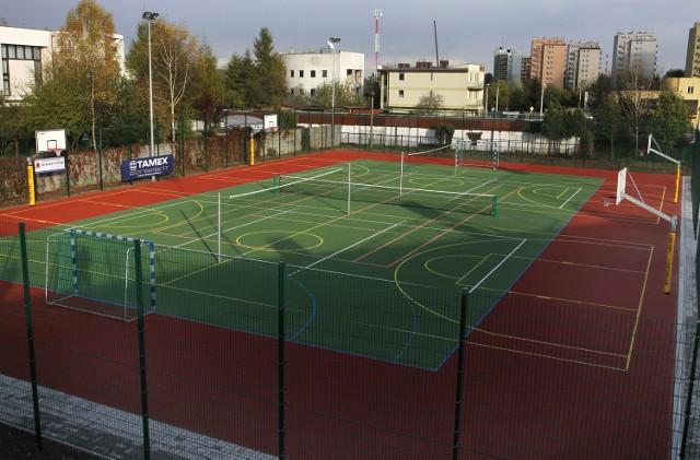 Przy Lwowskiej powstanie boisko gry w piłkę nożną oraz boisko wielofunkcyjne, na którym będzie można grać m.in. w koszykówkę, siatkówkę, tenisa, czy badmintona