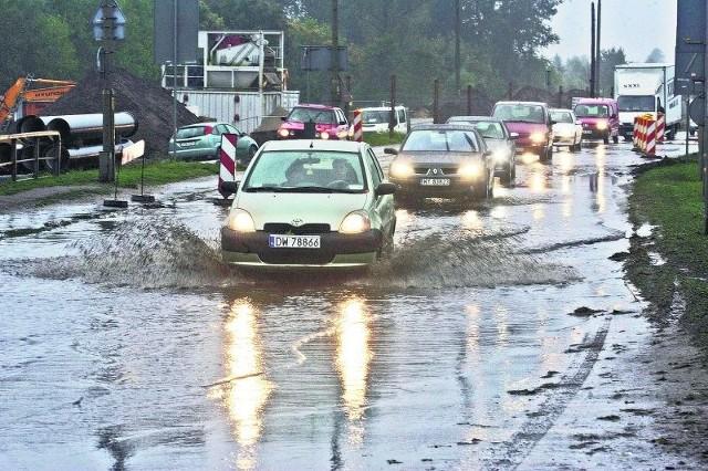 Wrocławskie ulice i chodniki znalazły się wczoraj pod wodą