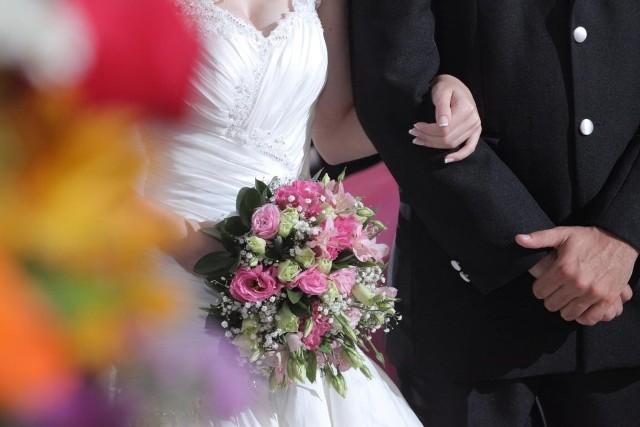 Ślub w parafii w Przechlewie kosztuje 1600 złotych