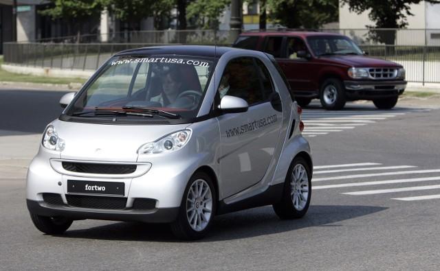 """Dealerzy samochodowi mówią, że nie ma technicznej możliwości """"odchudzenia"""" smarta"""