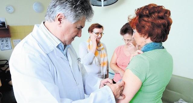 Profesor Mackiewicz sam zabiega o pieniądze na szczepionkę dla chorych na czerniaka