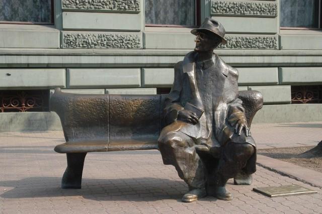 Pomnik Tuwima na ul. Piotrkowskiej