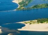 Niski poziom Wisły. Rzeka koło Tczewa już dawno nie była tak płytka