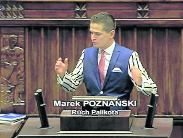 Garderoba posła Poznańskiego na debacie w jednej chwili stała się szlagierem Twittera