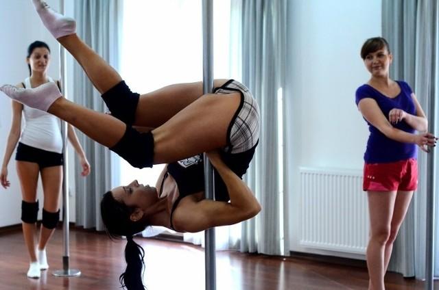 Wydawać by się mogło, że pole dance to spontaniczna ekspresja, okazuje się jednak, że to trudna do opanowania sztuka