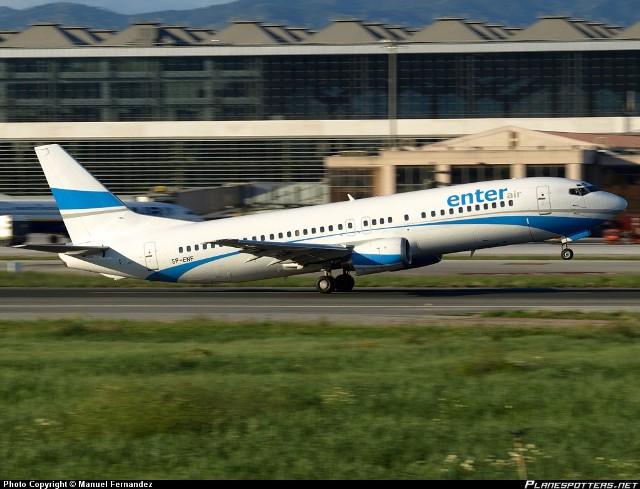Boeing 737 SP-ENT na lotnisku w Maladze