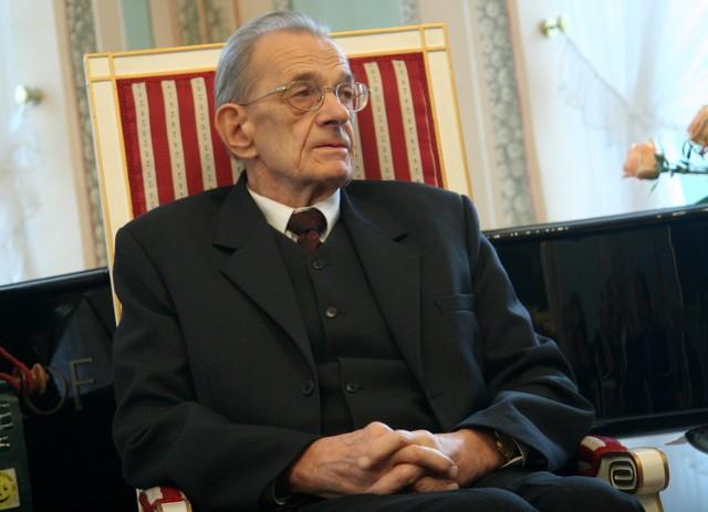 Prof. Andrzej Nikodemowicz