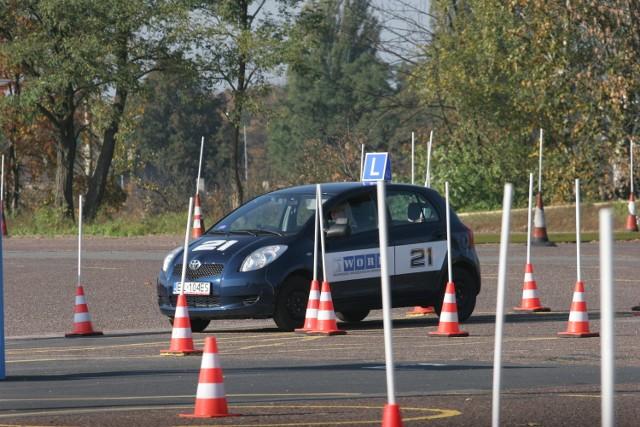 Instrukcja dla instruktorów nauki jazdy ma być tak szczegółowa, jak dla egzaminatorów