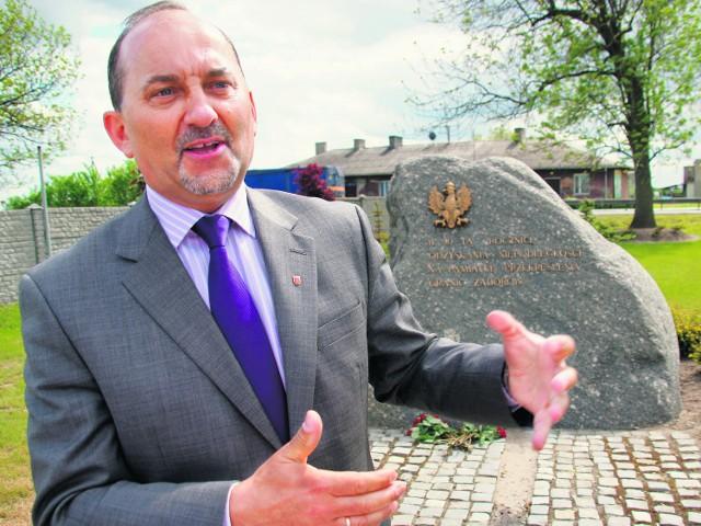 - Tutaj nie było żadnego obozu, tylko granica zaborów - wyjaśniał wójt Dariusz Grzywiński