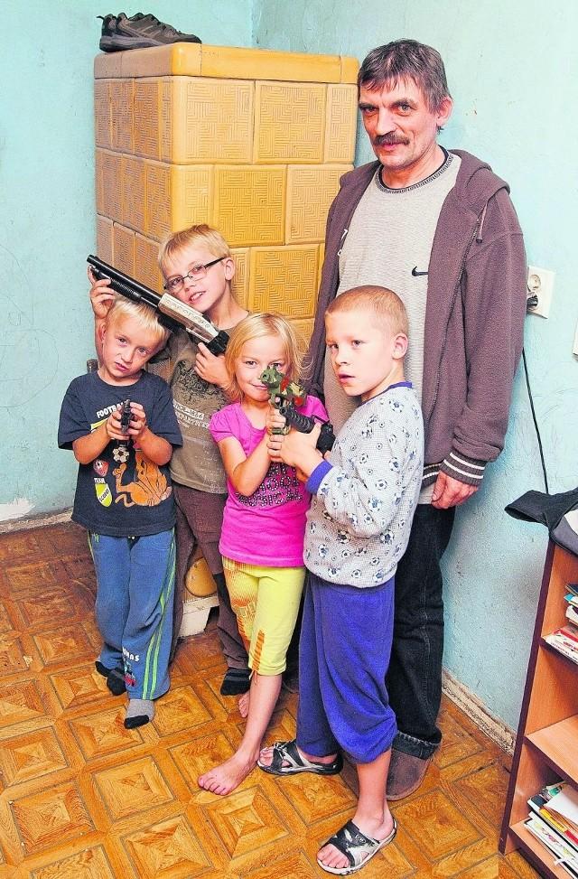Jerzy Smoliński z dziećmi nie wyobraża sobie takich podwyżek