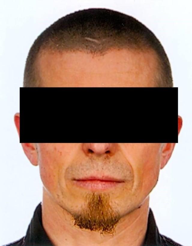 42-letniego Jarosława W. był głównym oskarżonym w sprawie zabójstwa 46- i 50-letniego mężczyzny. Zmarł w areszcie przed rozpoczęciem procesu