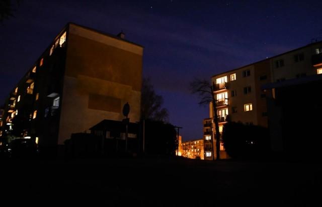 Enea Oświetlenie zapowiedziała, że 1 lutego rozpocznie się wyłączanie lamp, które oświetlają tereny bydgoskich spółdzielni mieszkaniowych