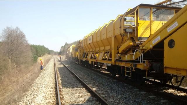 Trwa odbudowa linii kolejowej nr 52 na odcinku Lewki - Hajnówka
