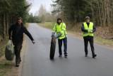 Akcja Sprzątanie Świata w gminie Filipów. Śmieci zbierają urzędnicy i mieszkańcy wsi [Zdjęcia]