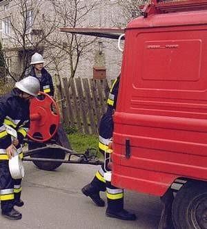 Oprócz paliwa strażakom marzą się też nowe auta.
