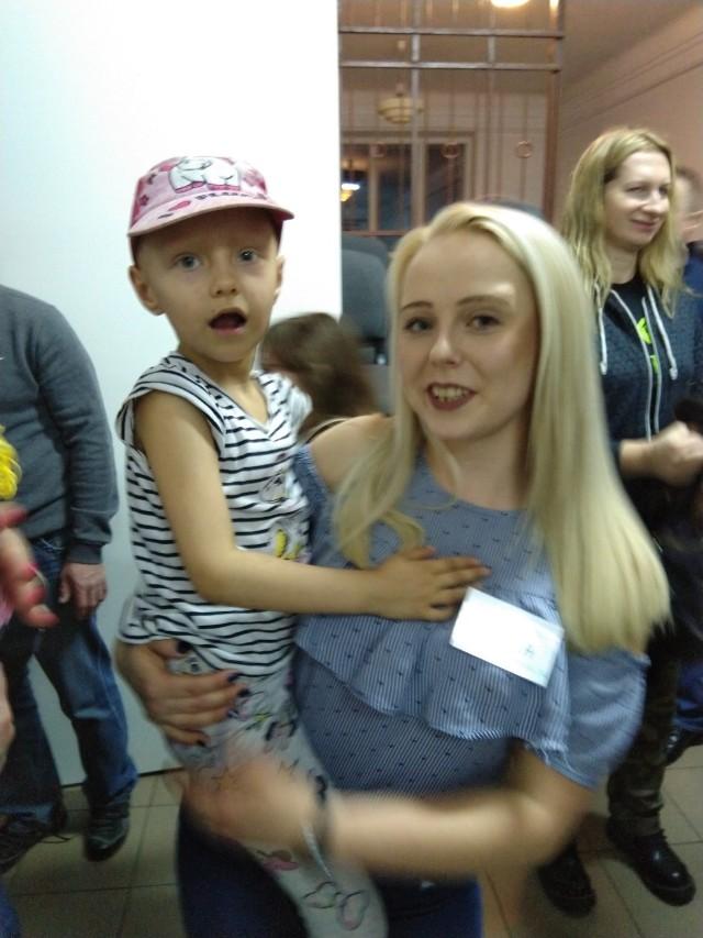 Koncert Charytatywny na rzecz małej Emilki Walendziak z Bielska Podlaskiego. Wystąpił zespół FBI. Koncert połączony był z licytacją. Dochód z niej został przeznaczony na leczenie dziewczynki