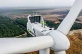 Przykona: Uruchomiono jedną z największych farm wiatrowych w Polsce. ZDJĘCIA
