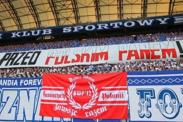 Kontrowersyjny transparent na meczu Lech - Żalgiris